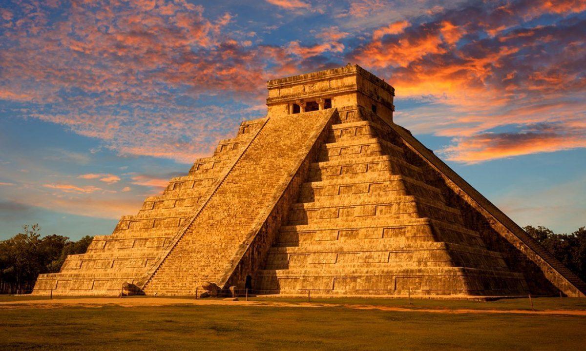 /storage/images/galeries/1619110704_Chichén-Itzá-e1595272463467.jpg